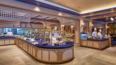 Disney S Newport Bay Club Dining Disneyland Paris Hotels