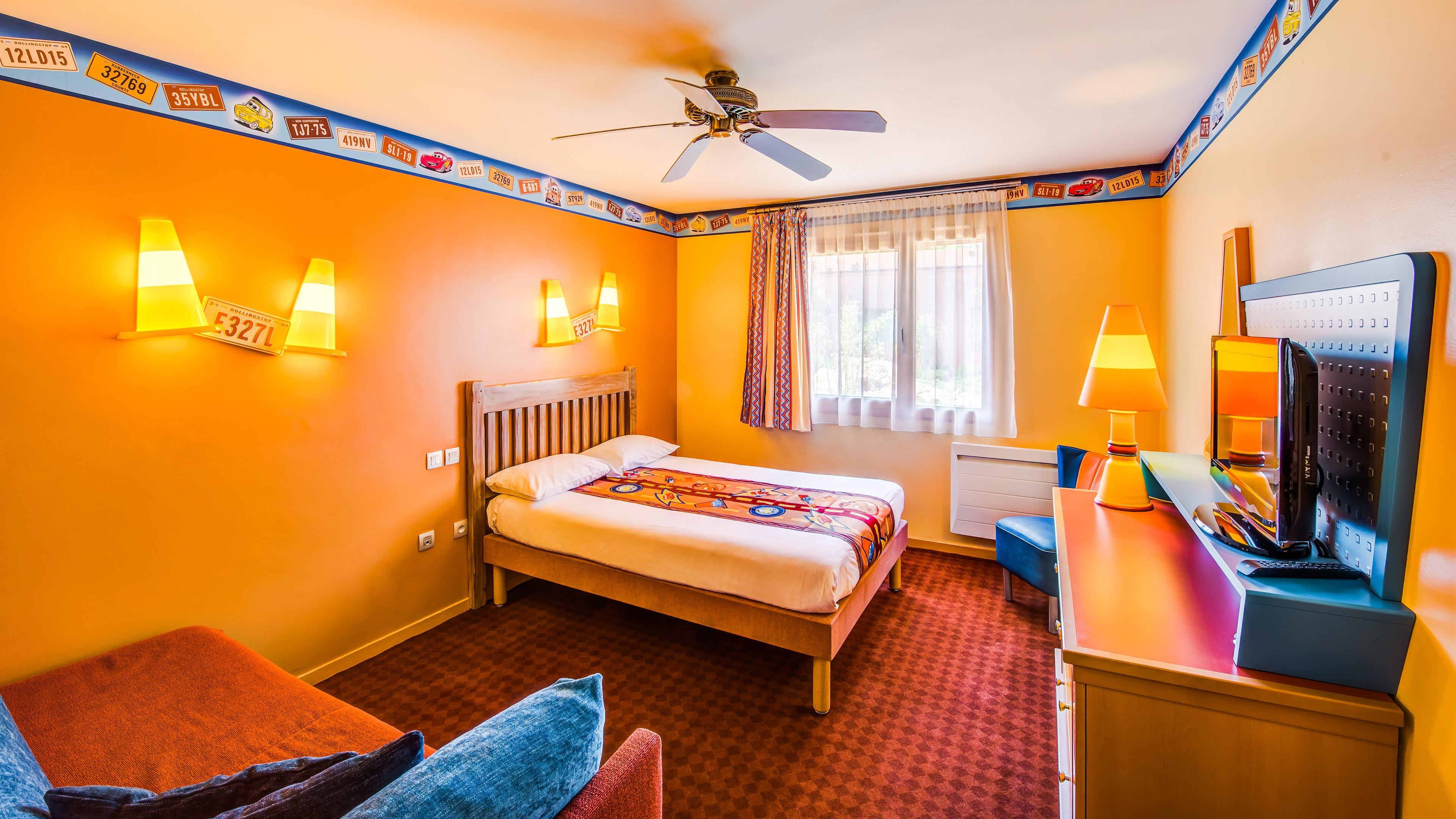 Camere Santa Fe Disneyland : Disneys hotel santa fe room rates disneyland paris hotels